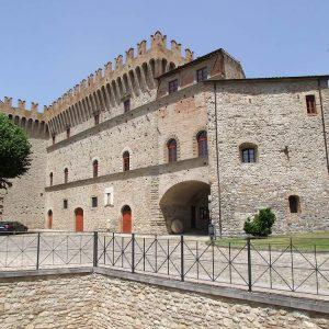castello dei conti oliva piandimeleto